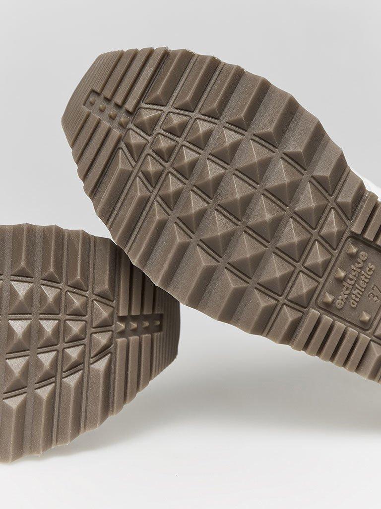 Buty sportowe pikowane w kolorze szaro-beżowe Love&Live (zdjęcie 3)