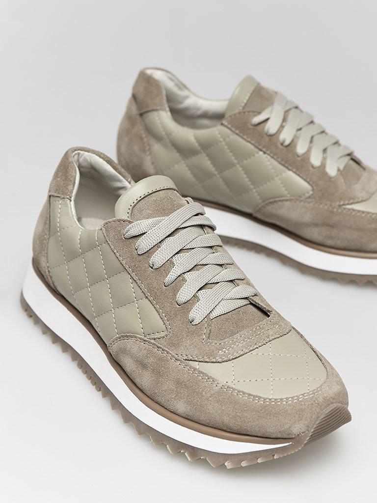 Buty sportowe pikowane w kolorze oliwkowym Love&Live
