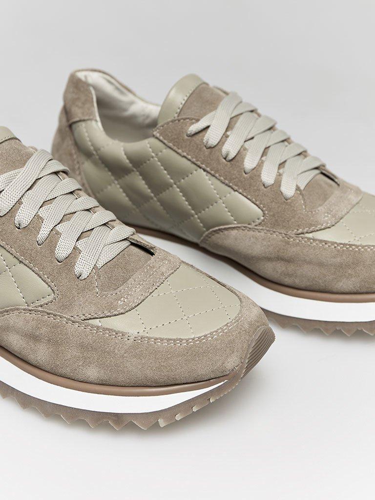 Buty sportowe pikowane w kolorze oliwkowym Love&Live (zdjęcie 2)
