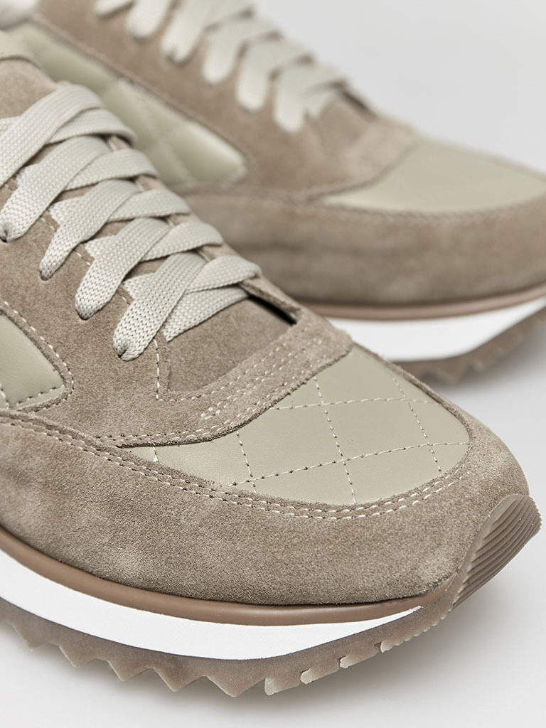 Buty sportowe pikowane w kolorze oliwkowym Love&Live (zdjęcie 3)