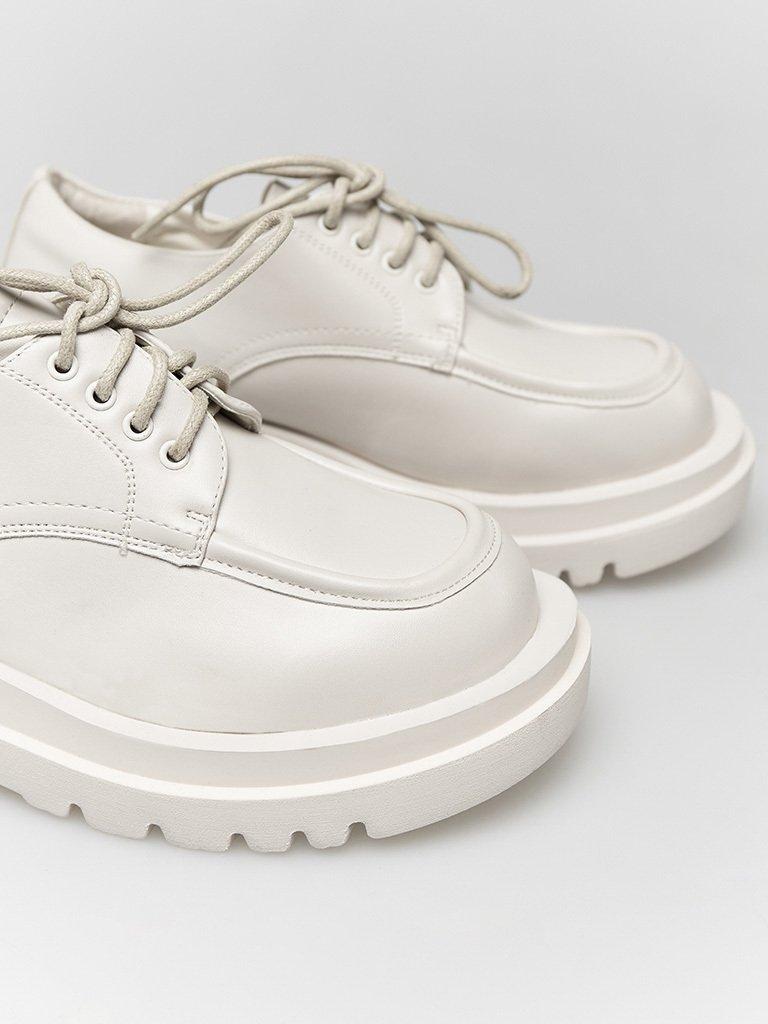 Białe buty na grubej podeszwie ze sznurówkami ZUZU (zdjęcie 3)