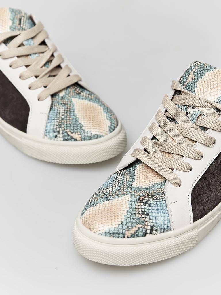 Skórzane buty sportowe w kolorze czekoladowym z nadrukiem węża Katarina Ivanenko (zdjęcie 2)