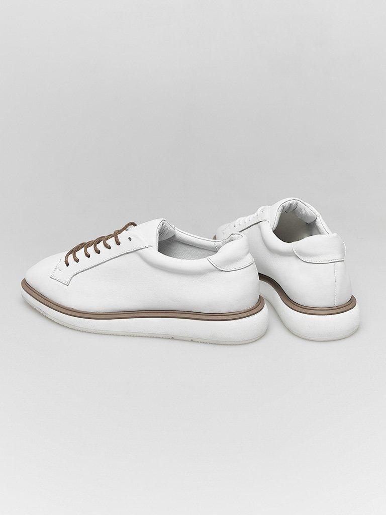 Buty skórzane w kolorze białym na płaskiej podeszwie Katarina Ivanenko (zdjęcie 3)