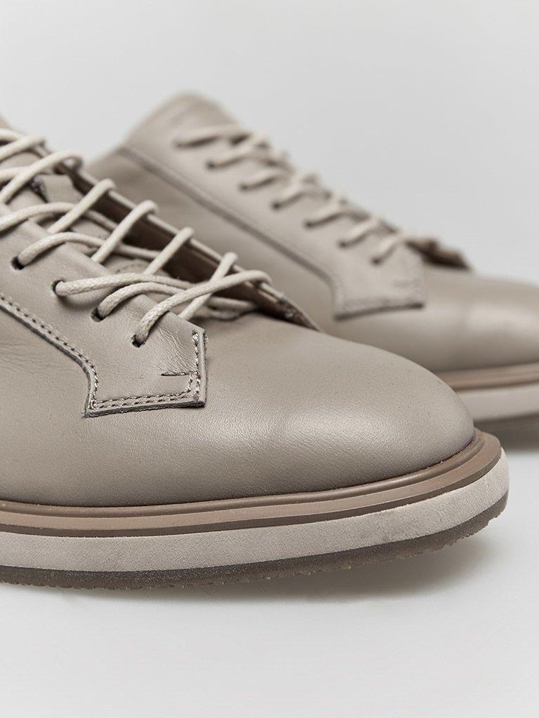 Buty skórzane w kolorze kawy z mlekiem na płaskiej podeszwie Katarina Ivanenko (zdjęcie 3)
