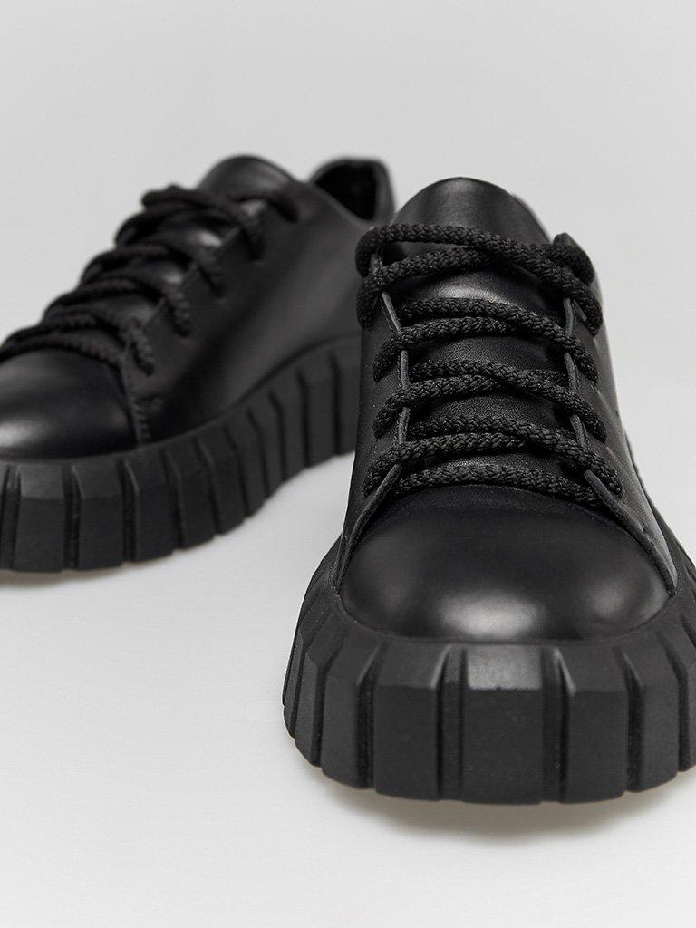 Czarne skórzane buty sportowe z grubą podeszwą Love&Live (zdjęcie 2)