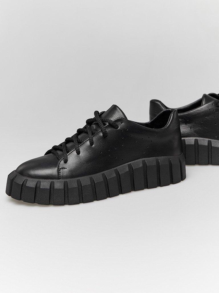 Czarne skórzane buty sportowe z grubą podeszwą Love&Live (zdjęcie 3)