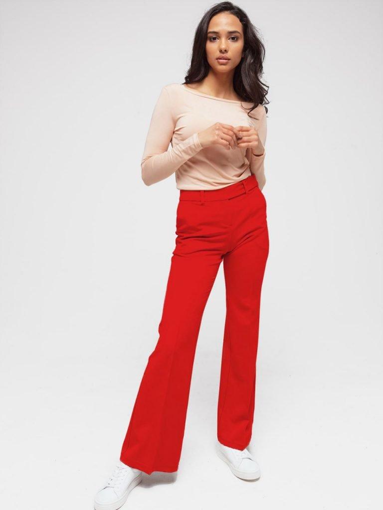 Rozkloszowane spodnie czerwone Katarina Ivanenko
