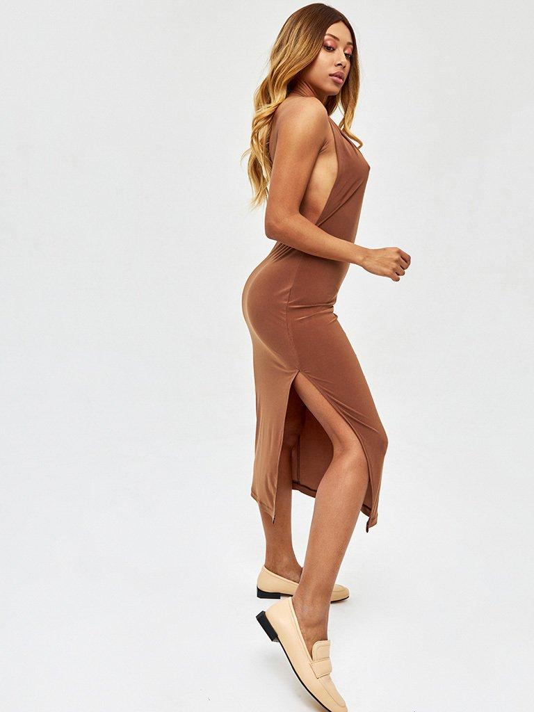 Sukienka midi w kolorze czekoladowym z odkrytymi plecami Love&Live