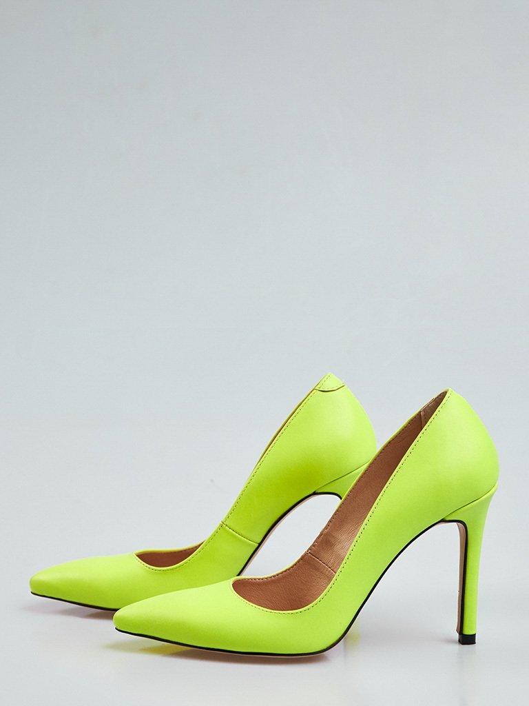 Jasnozielone skórzane buty na obcasie ze szpiczastym noskiem Love&Live