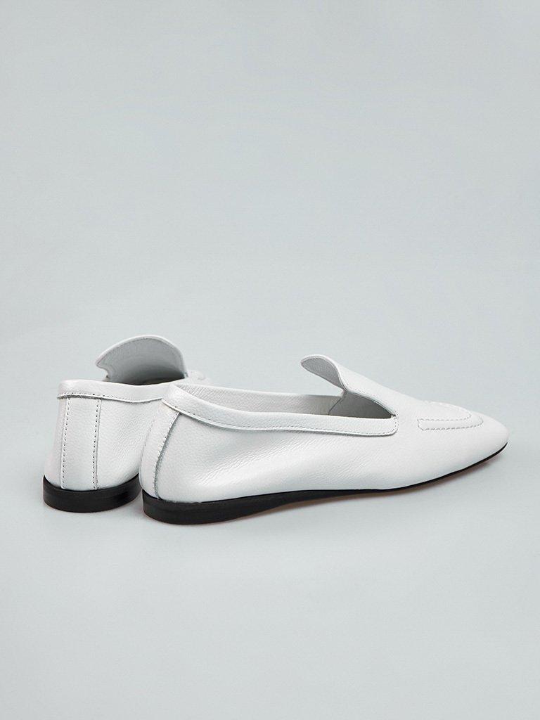Białe skórzane lordsy w minimalistycznym stylu Love&Live (zdjęcie 3)
