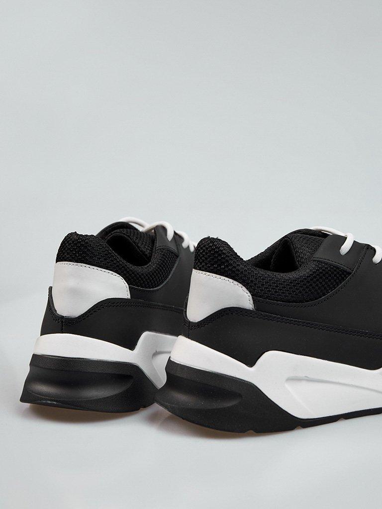 Buty męskie sportowe ze skóry w kolorze czarnym z kontrastowymi wstawkami Love&Live (zdjęcie 4)