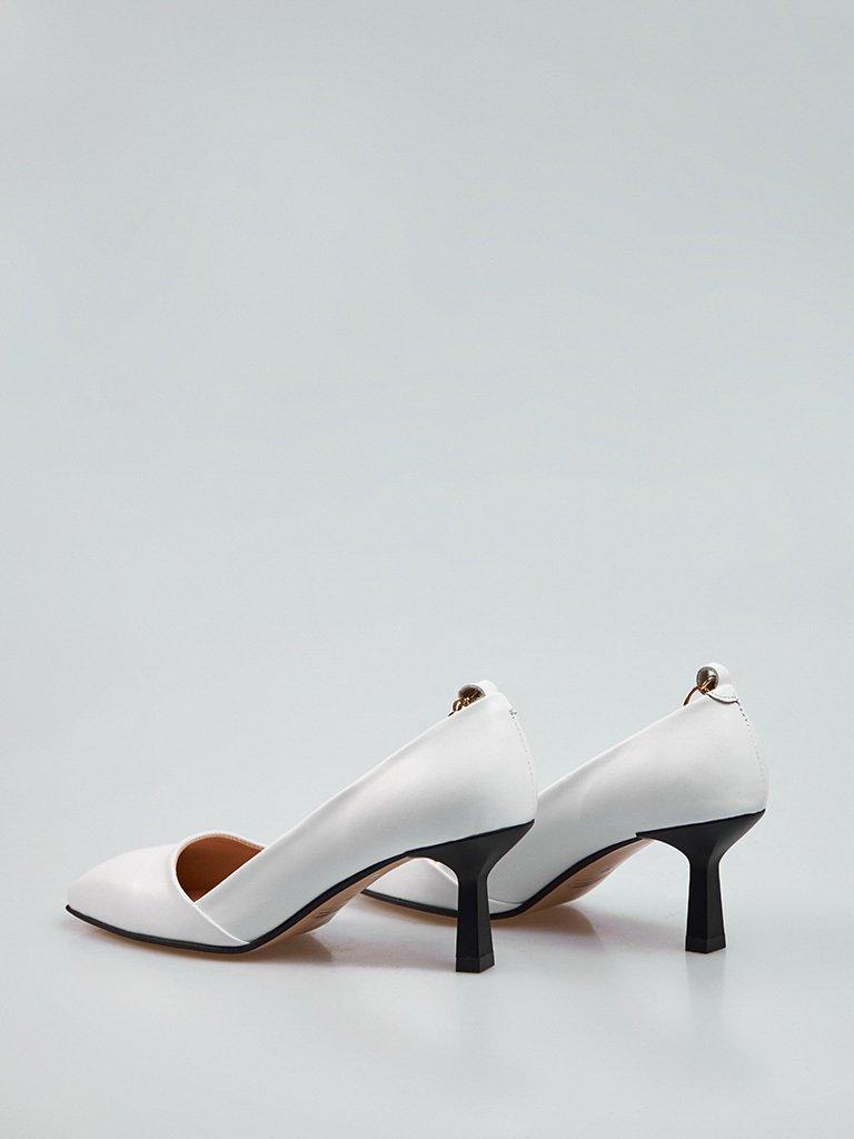Białe skórzane buty na średnim obcasie z dekoracją Love&Live (zdjęcie 5)