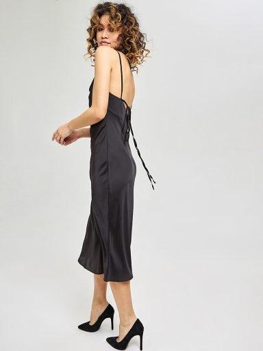 Czarna sukienka midi na ramiączkach z wiązaniem na plecach Katarina Ivanenko