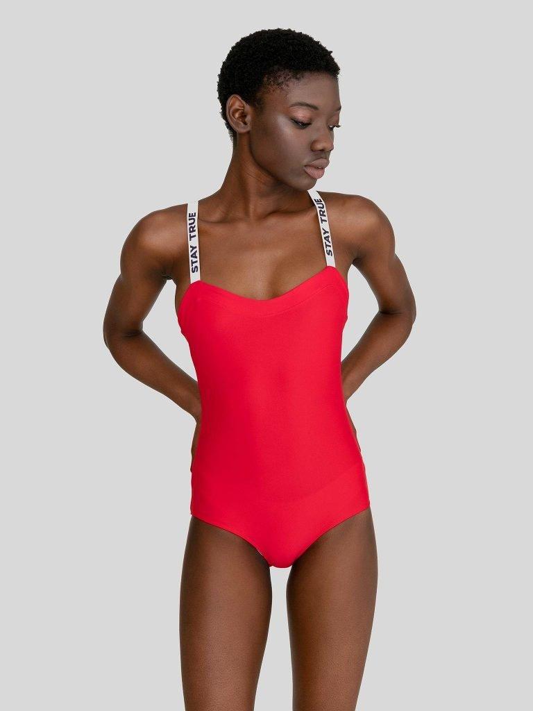 Strój kąpielowy w kolorze czerwonym na szerokich białych ramiączkach PURE