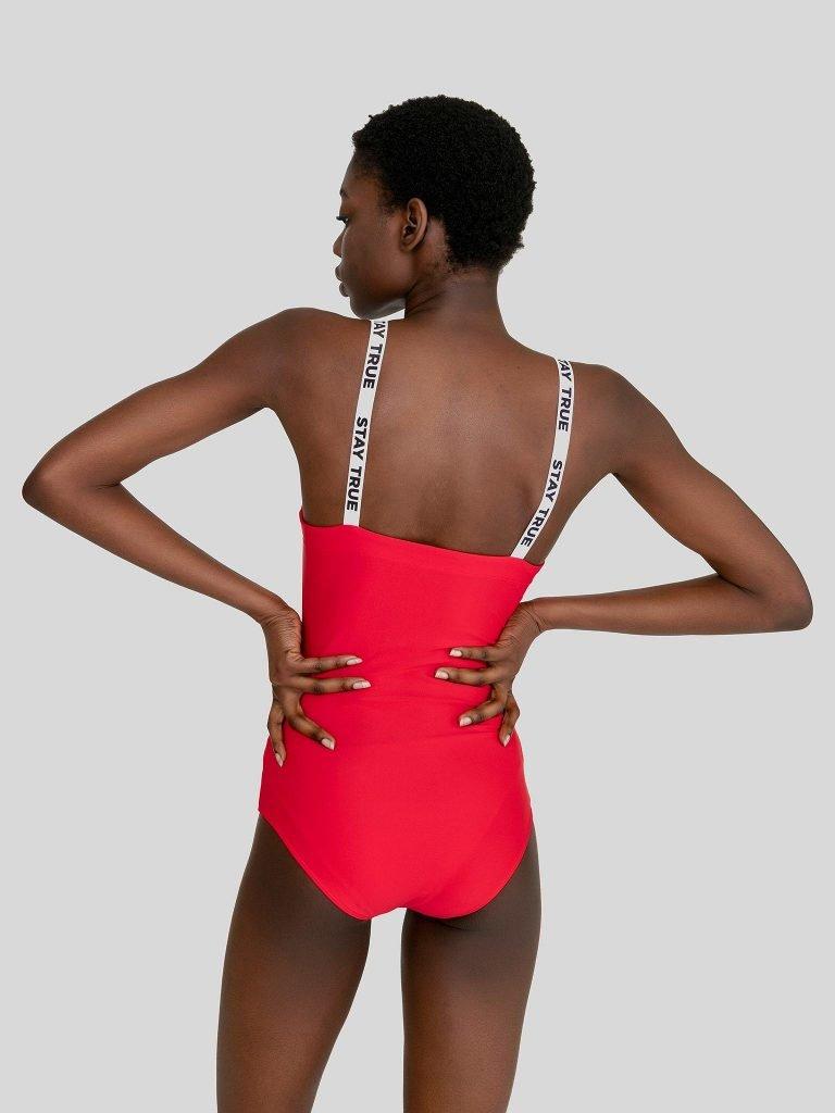 Strój kąpielowy w kolorze czerwonym na szerokich białych ramiączkach PURE (zdjęcie 2)