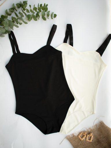 Zestaw 2 body na szerokich czarnych ramiączkach z elastycznej dzianiny (mleczne, czarne) PURE