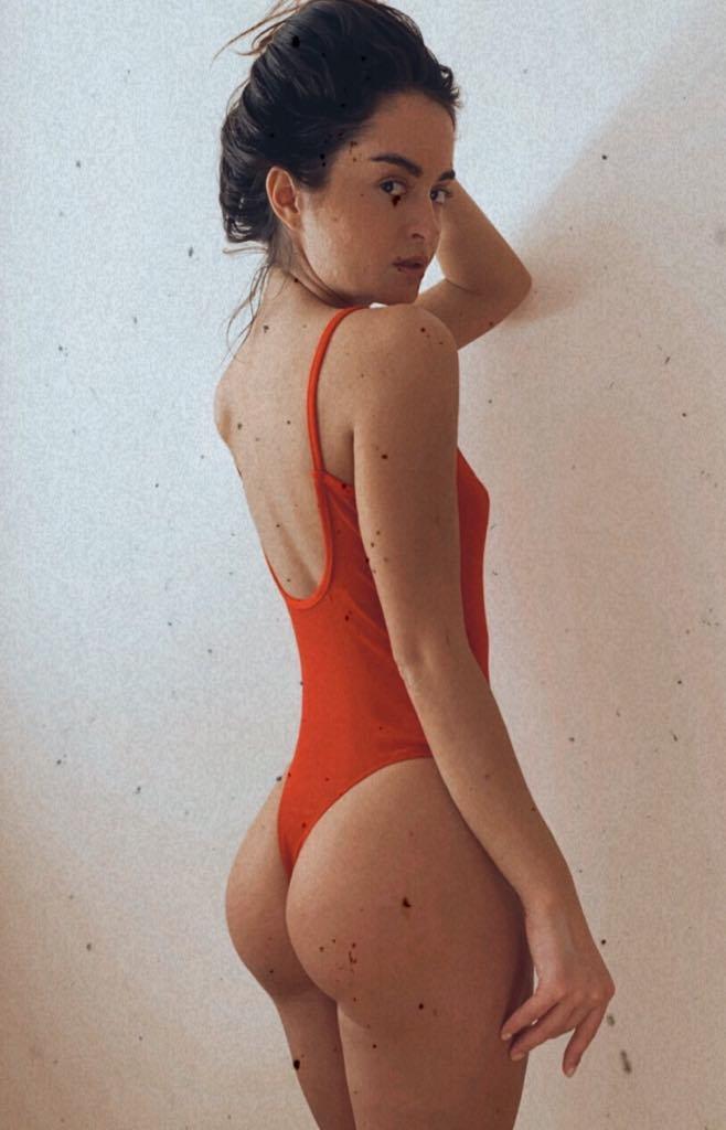 Body w kolorze czerwonym przezroczyste na cienkich ramiączkach PURE (zdjęcie 4)