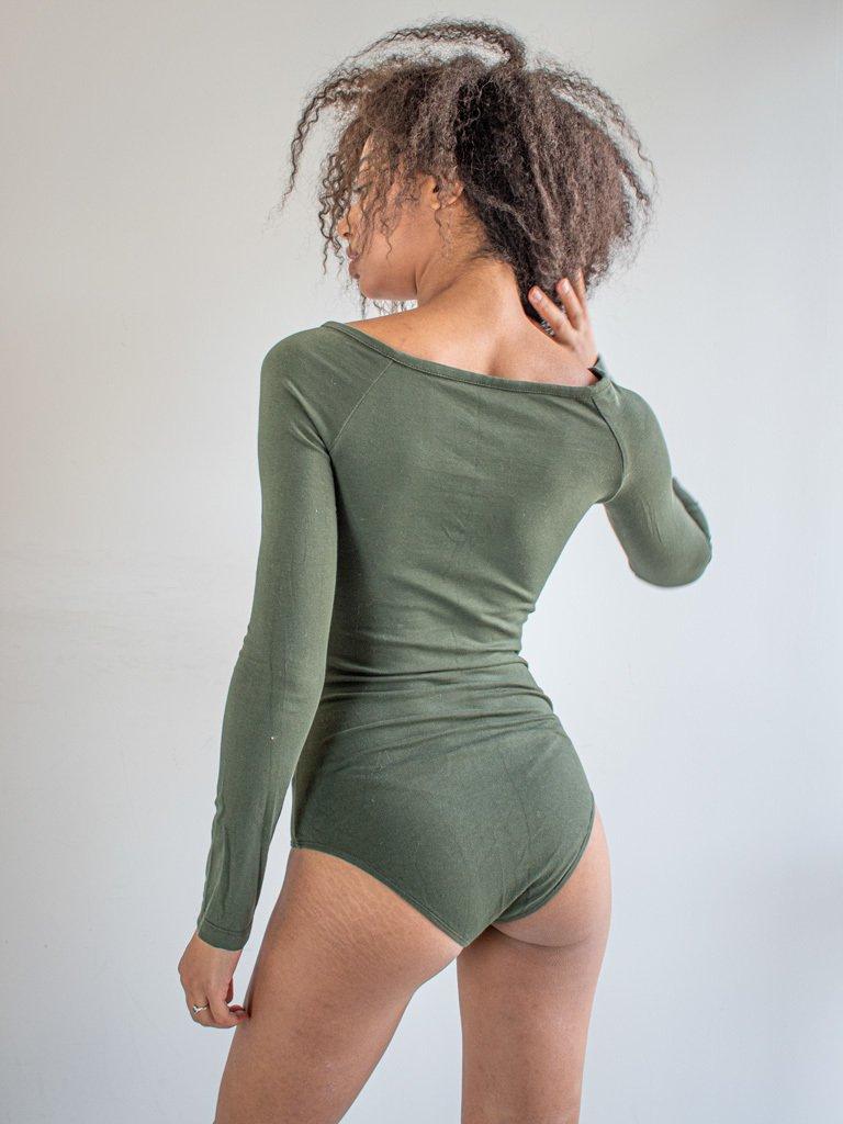 Body w kolorze khaki z odkrytymi ramionami i długimi rękawami PURE