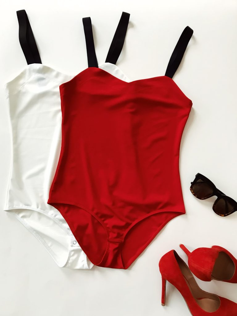 Zestaw 2 body na szerokich czarnych ramiączkach z elastycznej dzianiny (białe, czerwone) PURE