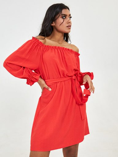 Koralowa sukienka mini z odkrytymi ramionami Katarina Ivanenko