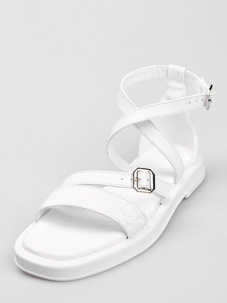 Białe skórzane sandały z paskami Love&Live