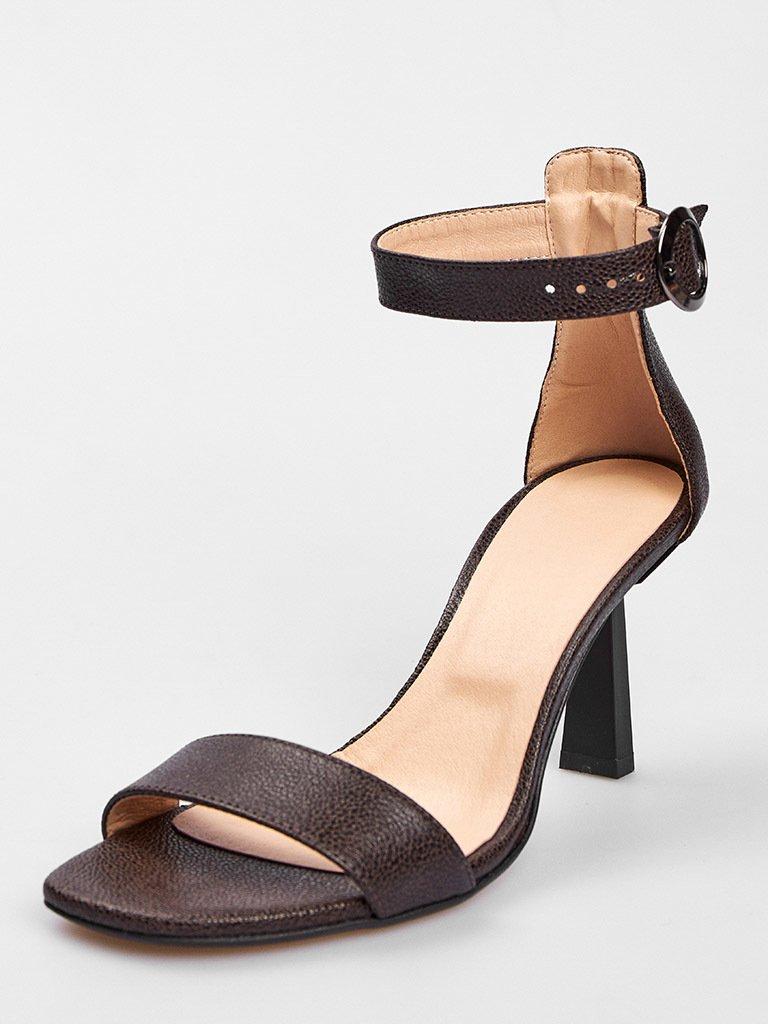 Czarne skórzane sandały z paskiem wokół kostki Love&Live