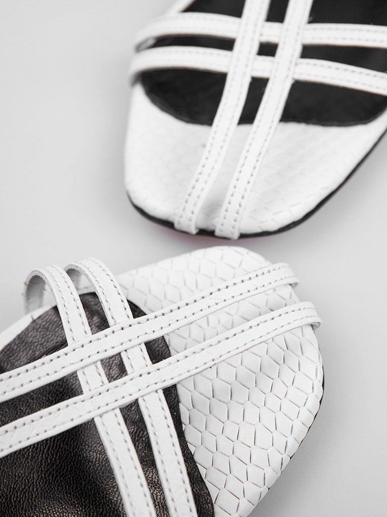 Sandały skórzane białe z cienkimi paskami Katarina Ivanenko (zdjęcie 3)