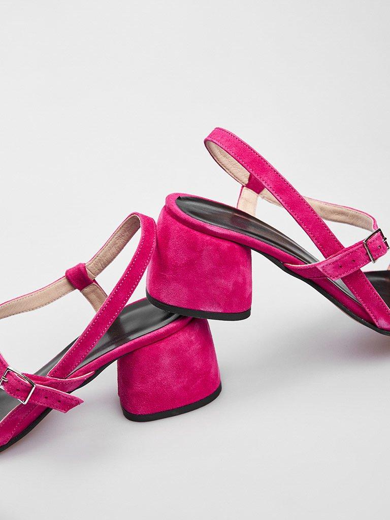 Malinowe zamszowe sandały z paskami na średnim obcasie Katarina Ivanenko (zdjęcie 3)