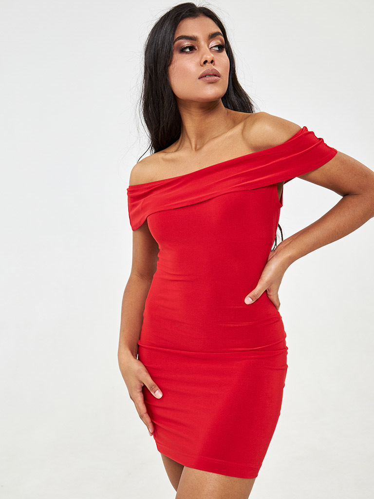 Sukienka mini w kolorze czerwonym z falbaną na piersi Love&Live